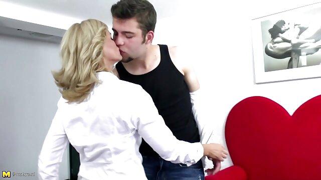 ポルノ登録なし  金髪の女の子は巨大なコックを吸うと性交することができます av 女性 向け 無 修正